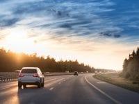 En ny undersøgelse fra GF Fonden viser bl.a., at 17 procent af de danske kør-selv-turister lader den samme chauffør køre mere end otte timer. Genvejen til at komme sikkert frem på ferie er gode pauser og at skifte chauffør undervejs (Foto: Stock, GF-arkiv).