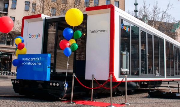 Googles uddannelsesbus sætter kursen mod Holbæk