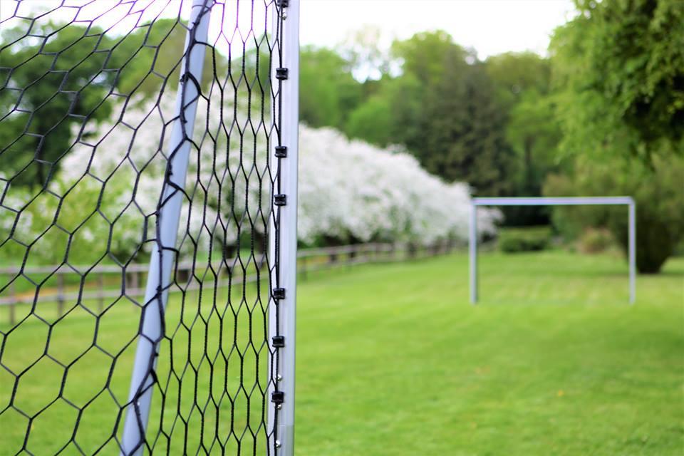 Atter fodbold udendørs